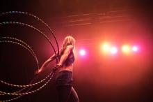 Hula-Hoop Artistin